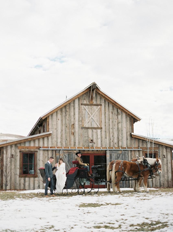 Romantic Rustin Barn Wedding in the Snow // Photography ~ Rebecca Hollis Photography