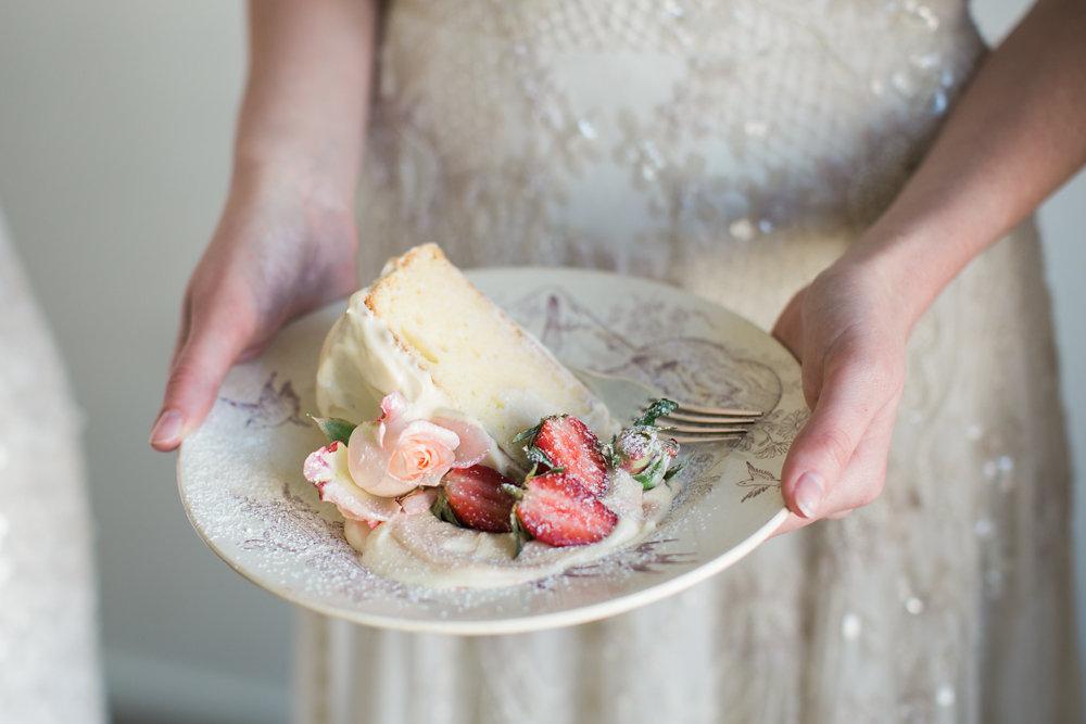 Delicious White Chocolate Wedding Cake