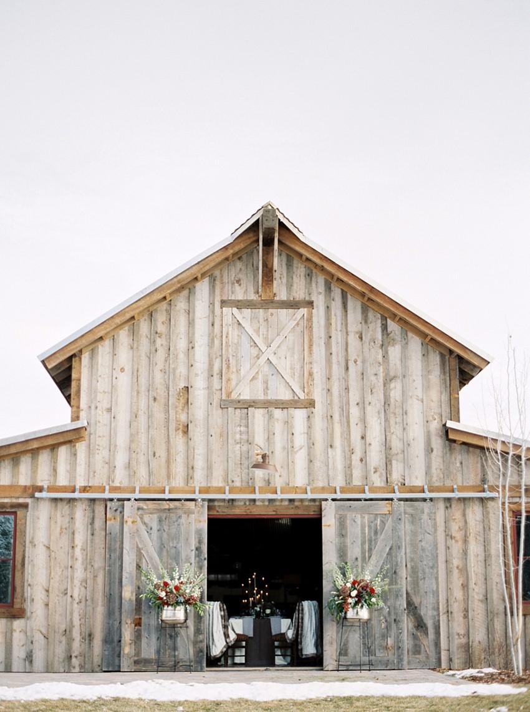 Elegant Winter Barn Wedding // Photography ~ Rebecca Hollis Photography