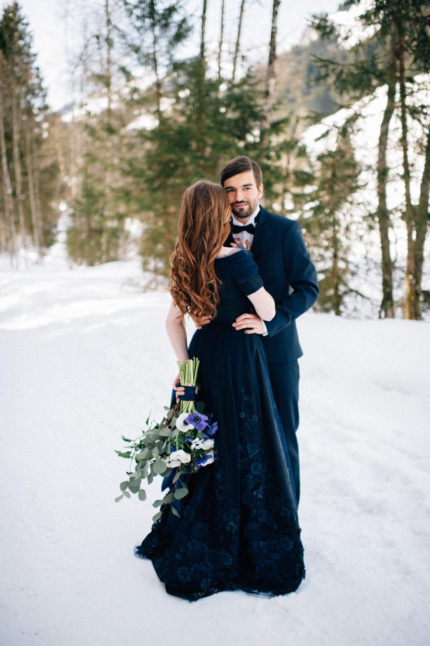 Navy Blue Winter Wedding Inspiration