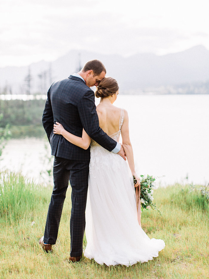 Elegant Columbia Gorge Elopement Inspiration