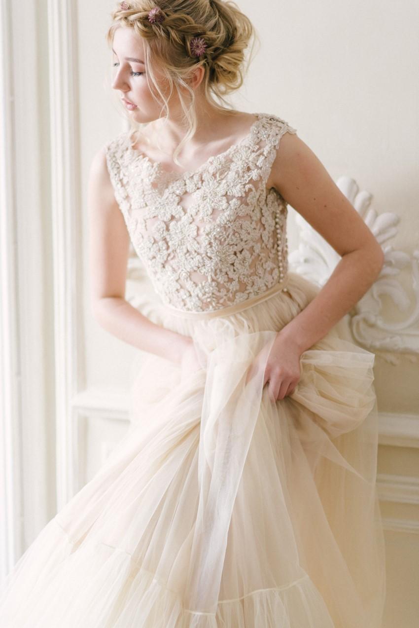 Romantic Spring Wedding Dress