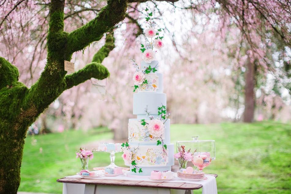 Stunning Spring Wedding Cake