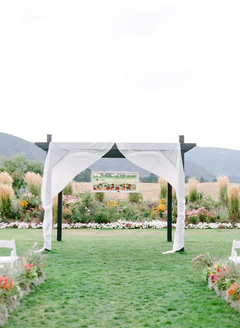 Outdoor Wedding Ceremony Aisle Decor
