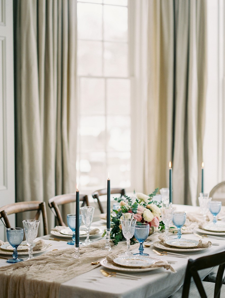 Elegant Neutral & Blue Wedding Tablescape