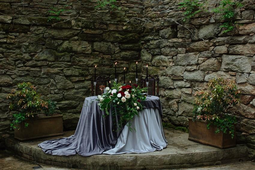 Romantic Gothic Sweetheart Wedding Table