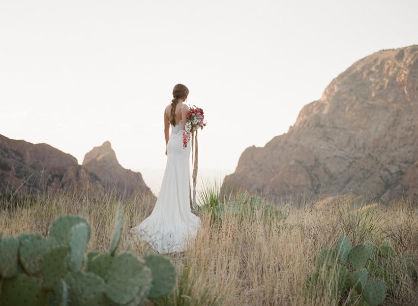 Romantic Desert Bridal Shoot