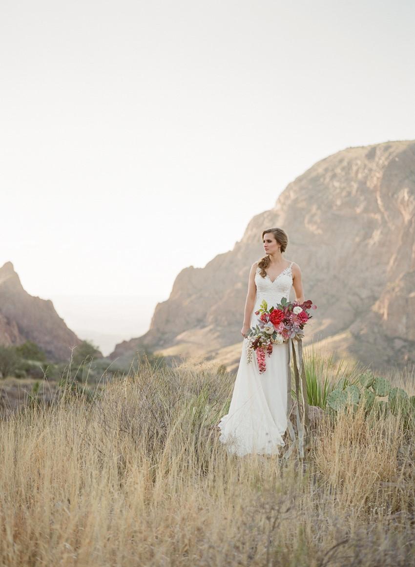 Romantic Fine Art Desert Bridal Shoot