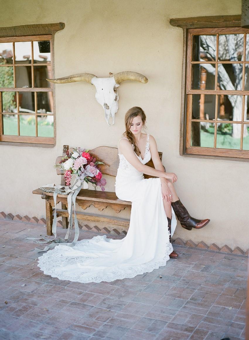Romantic Mid-West Desert Bridal Shoot