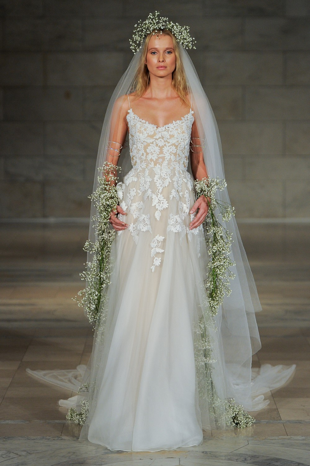 Reem Acra 2018 Wedding Dress 7