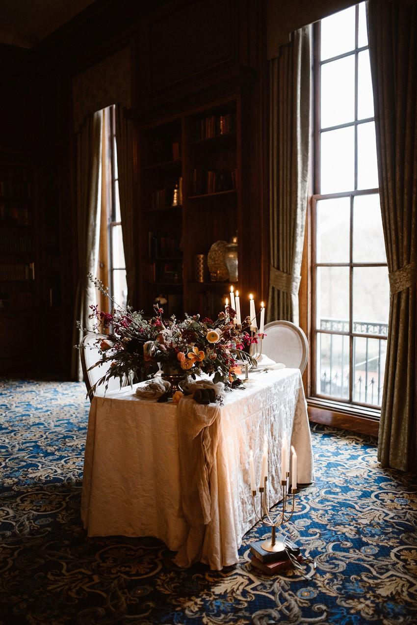 Elegant Modern Vintage Wedding Table