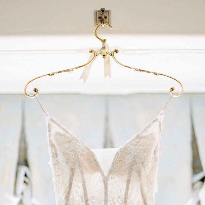 10 Beautiful Wedding Dress Hangers