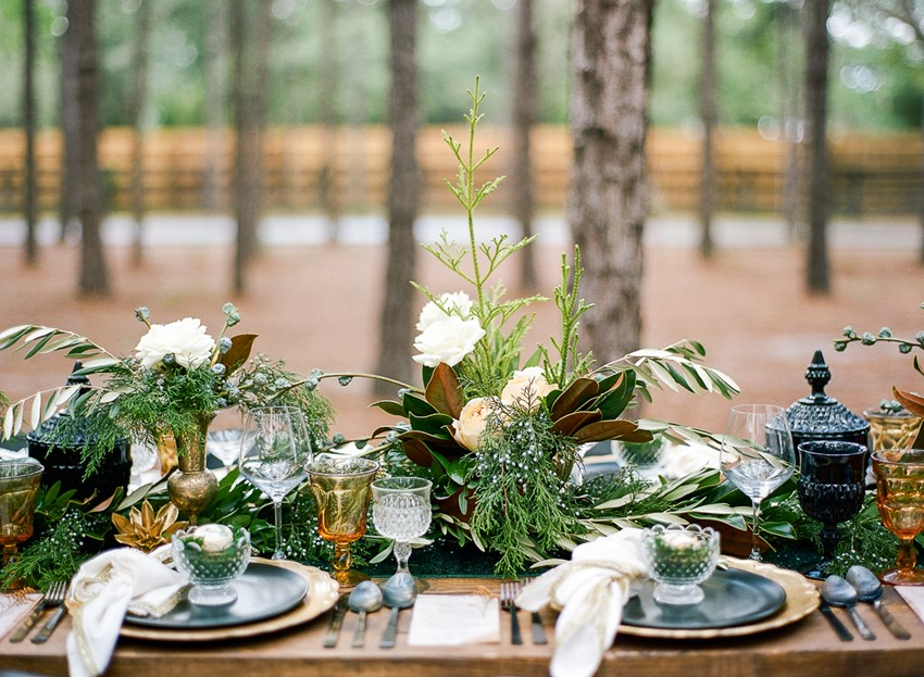 Emerald Green and Gold Woodland Wedding Table