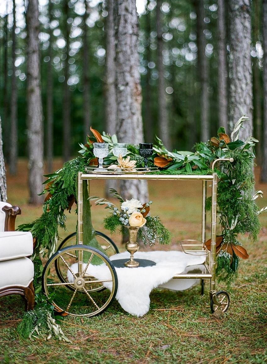 Emerald Green and Gold Holiday Wedding Bar