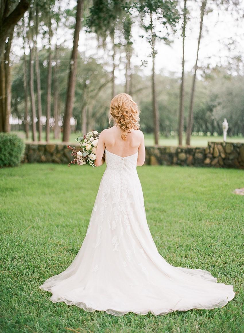 Spring Bride at Stonebridge Weddings