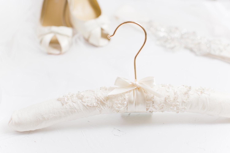Wedding Dress Hanger.10 Beautiful Wedding Dress Hangers Chic Vintage Brides Chic