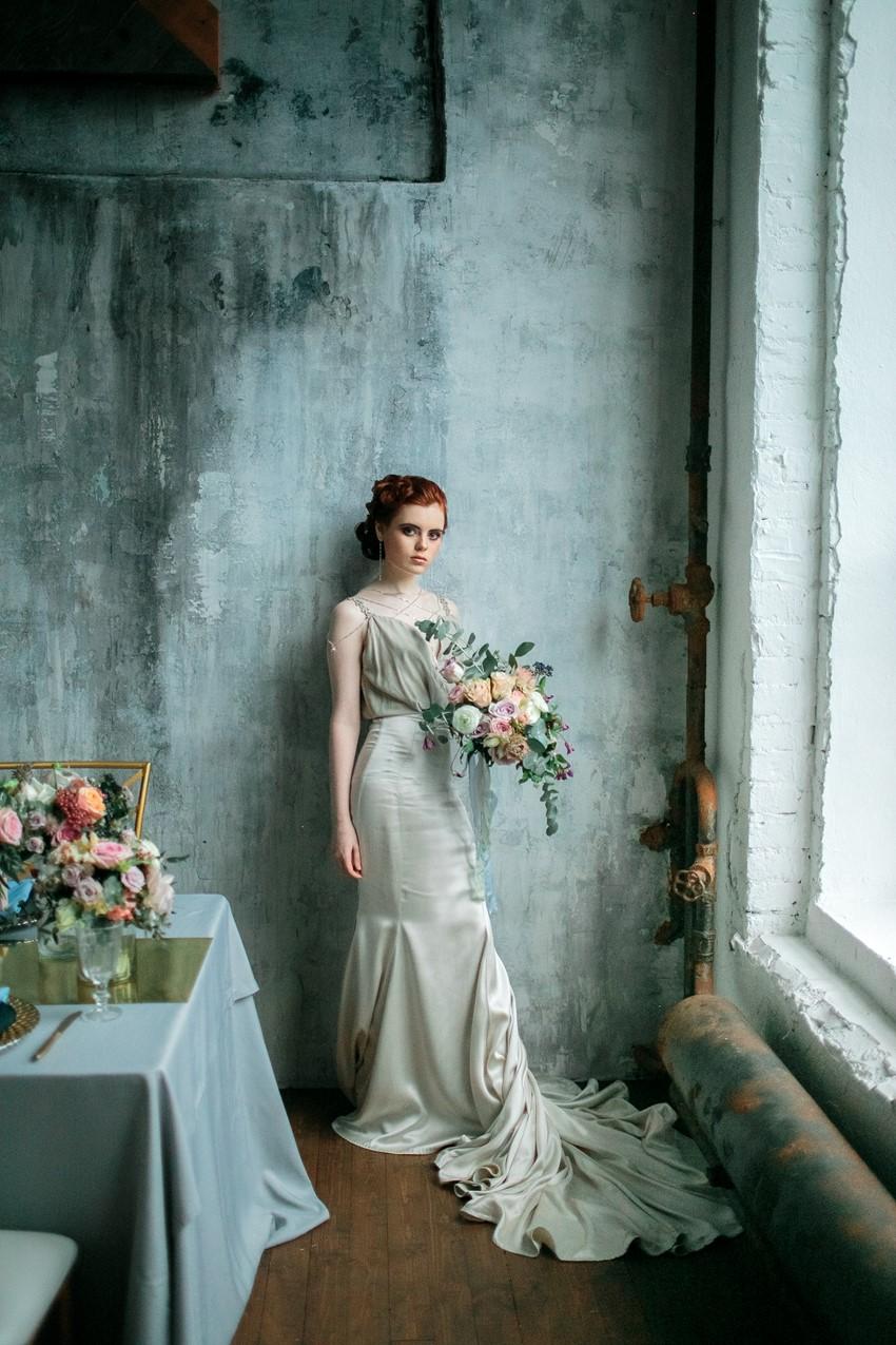 Romantic Spring Vintage Bride