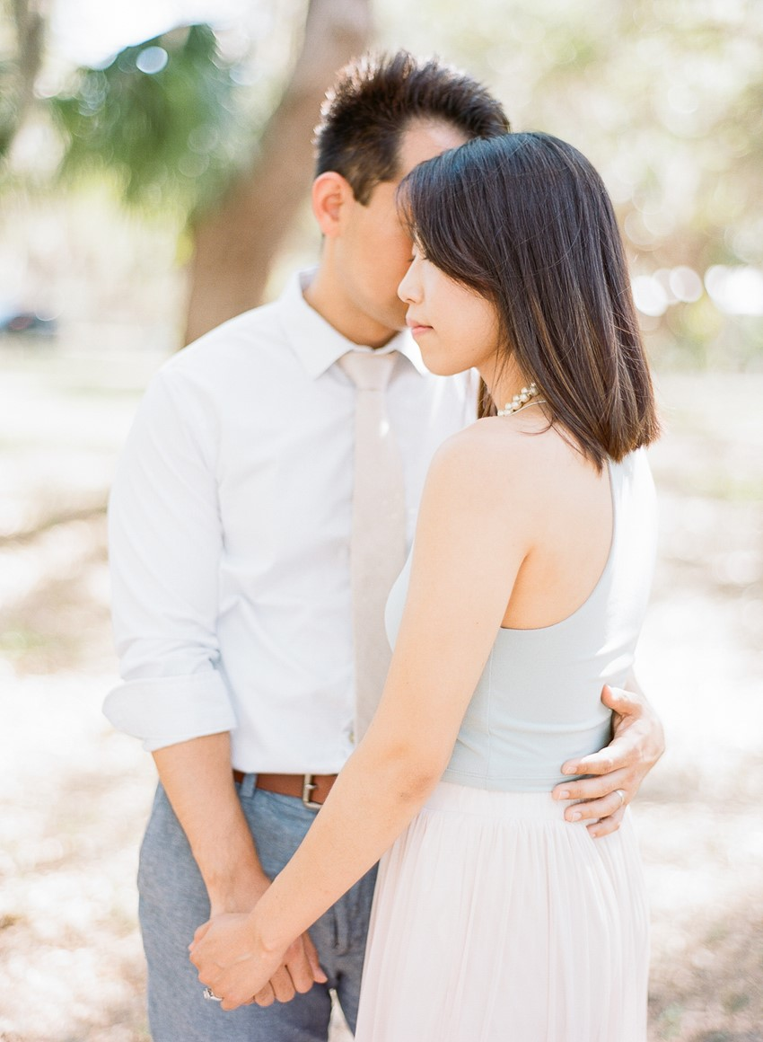10 Tips for What to Wear for Your Engagement Shoot