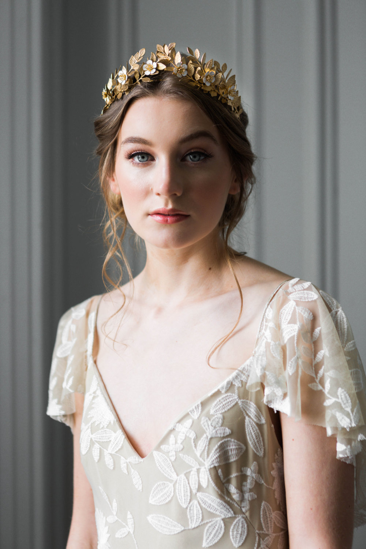 33 royal wedding worthy bridal crowns chic vintage brides chic laurel leaf bridal flower crown izmirmasajfo Images