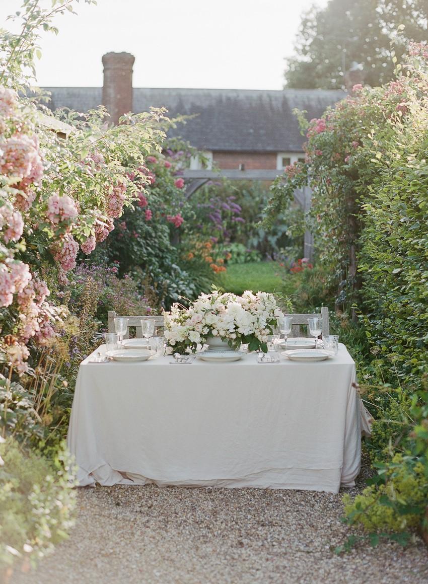 English Country Garden Wedding Table