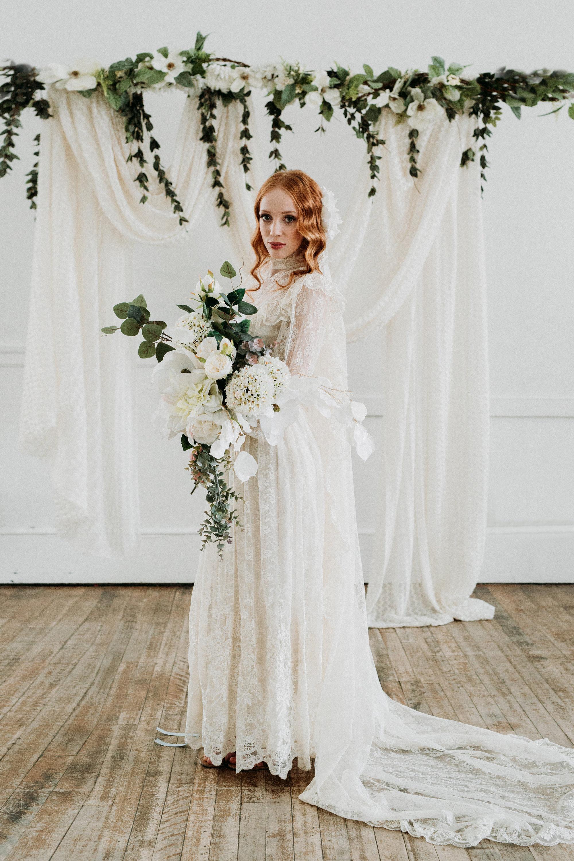 20s Boho Lace Wedding Dress & Veil   Chic Vintage Brides  Chic ...