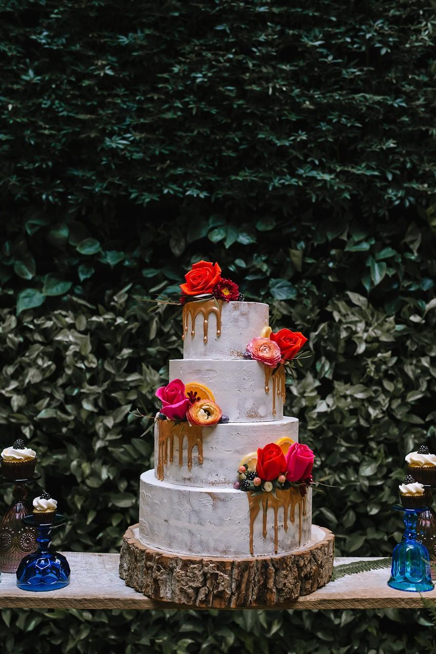 Bright Rustic Wedding Cake