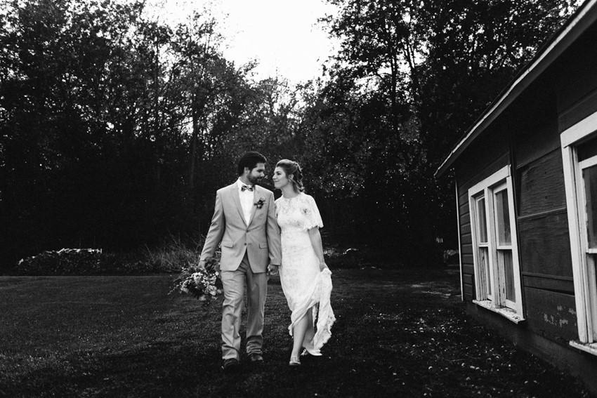 Romantic Rustic Vintage Bride & Groom
