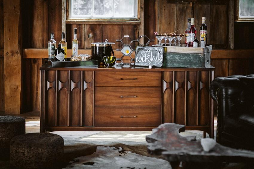 Rustic Vintage Barn Wedding Bar