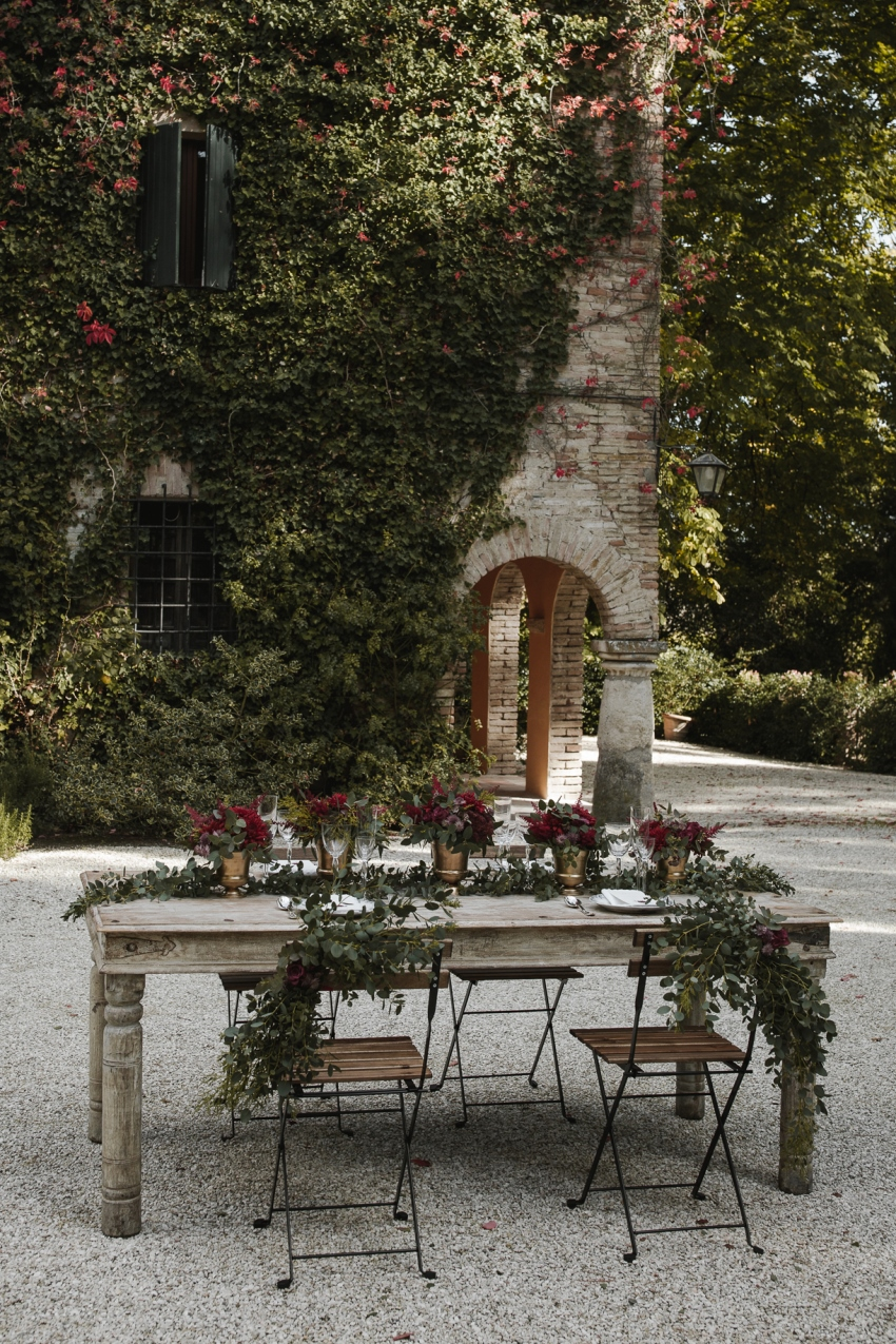 Outdoor Romantic Wedding Table