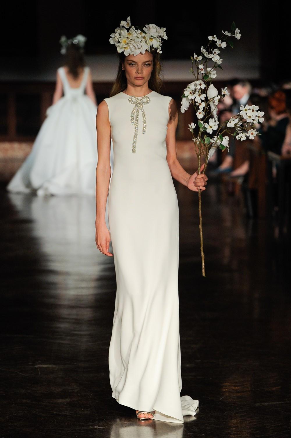 Bridal Trend for 2019 Bows - Reem Acra Wedding Dress