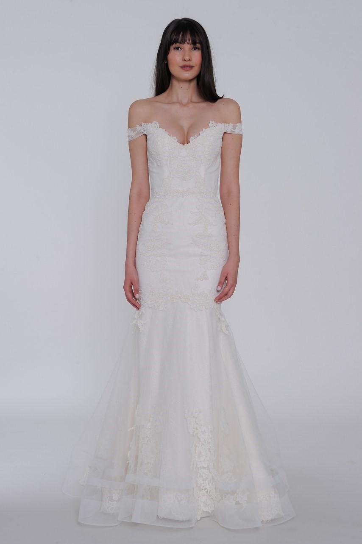 2019 Bridal Trends - Off Shoulder Sleeves Lazaro Spring 2019 Bridal