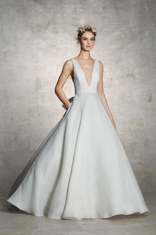 2019 Bridal Trends - Understated Marchesa Spring 2019 Bridal