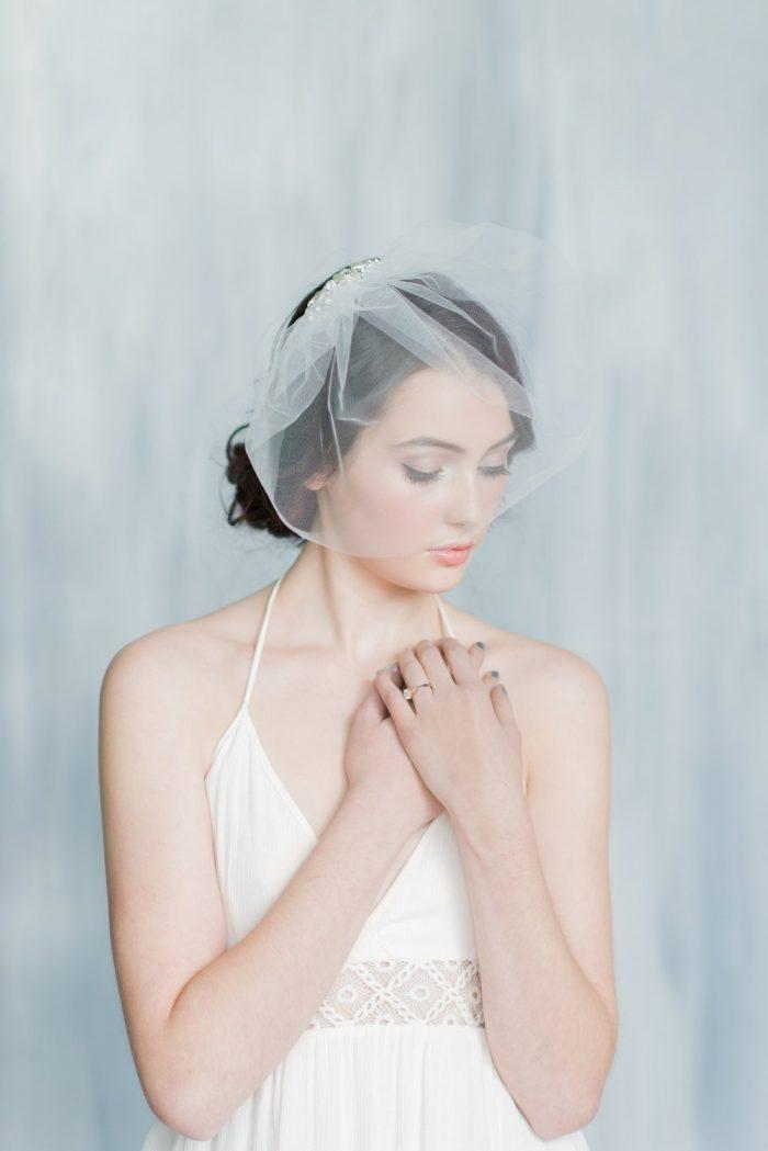 Pearl Tulle Mini Veil