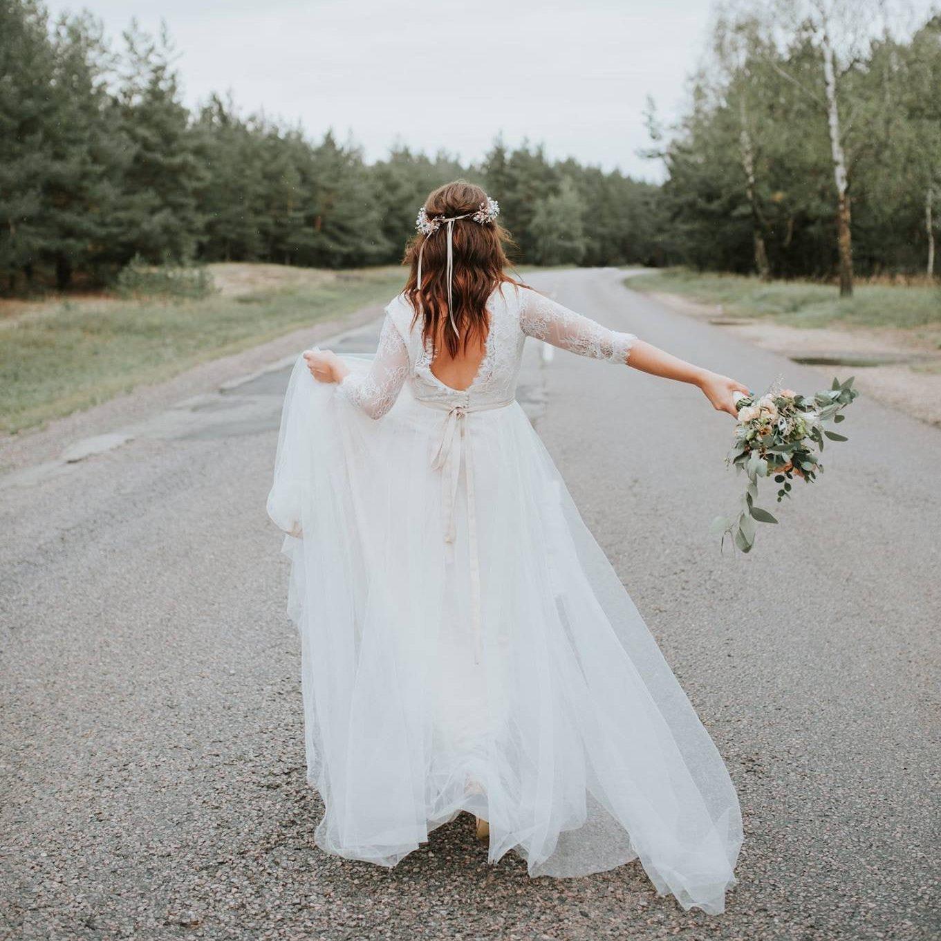 The Loveliest Lace Wedding Dresses Chic Vintage Brides Chic